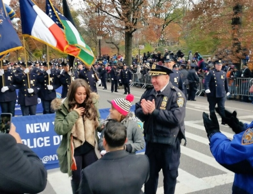 Everyone loves a proposal: NY policeman pops question at Macy's parade